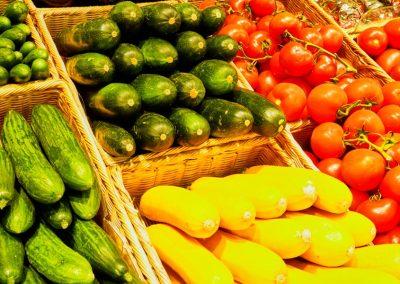Zucchini und anderes Gemüse